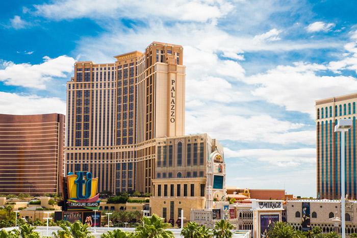 Quảng cáo, giới thiệu dịch vụ: Vui chơi miễn phí tại các điểm đến nổi tiếng ở Las Vegas Mỹ Palazzo-vegas-outsfws