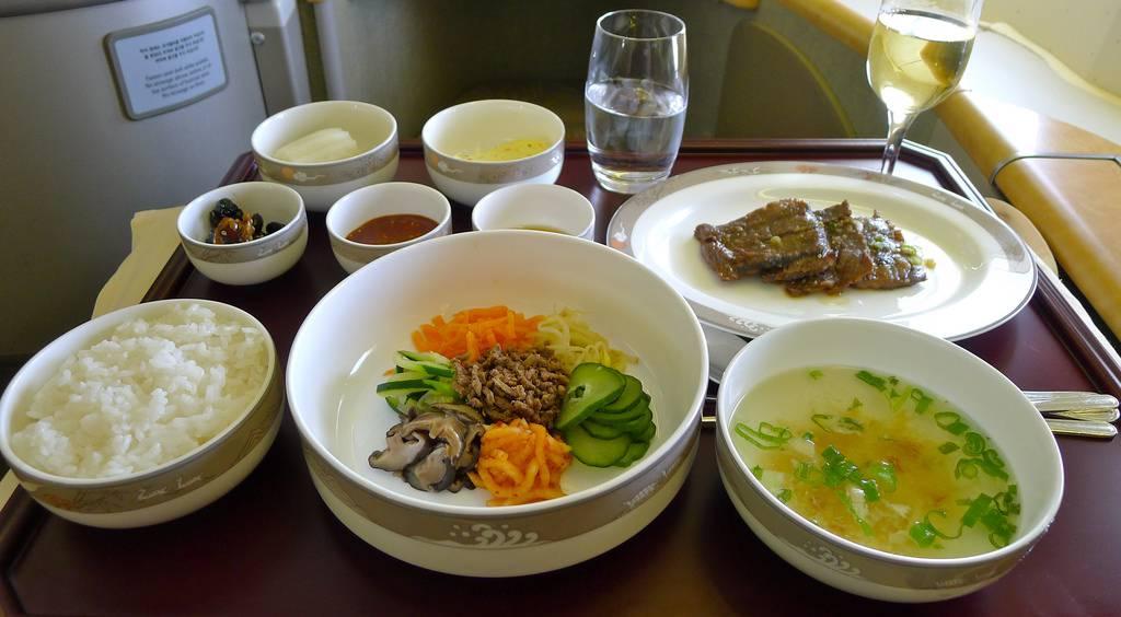 Tận hưởng suất ăn miễn phí trên không cùng Asiana Airlines