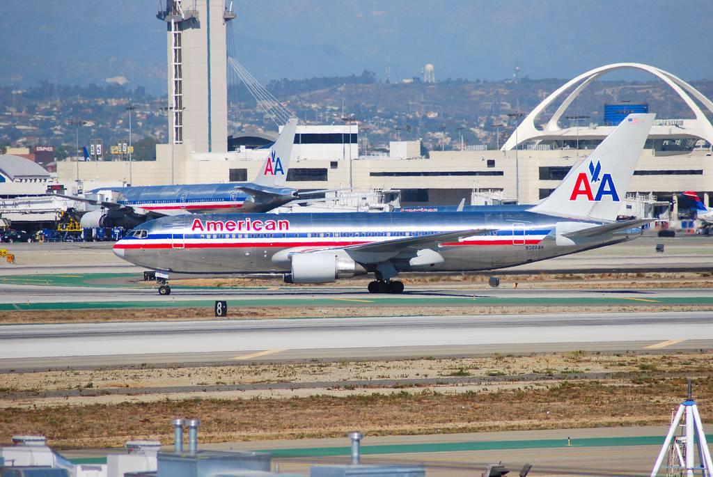 Đặt vé máy bay đi Los Angeles hãng American Airlines
